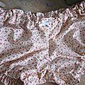 Culotte <b>BIANCA</b> en coton beige rosé imprimé semis de fleurs rose/rouge - Noeud blanc
