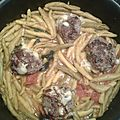 <b>FUSILLI</b> ET BOULETTES DE VIANDE AUX FROMAGE