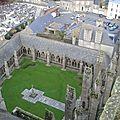 Le cloître de la cathédrale de Tréguier