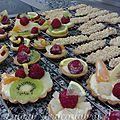 Tartelettes aux fruits & bâtons <b>maréchaux</b>.