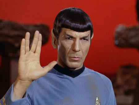 Leonard Nimoy (Spock) - Page 4 63124568_p