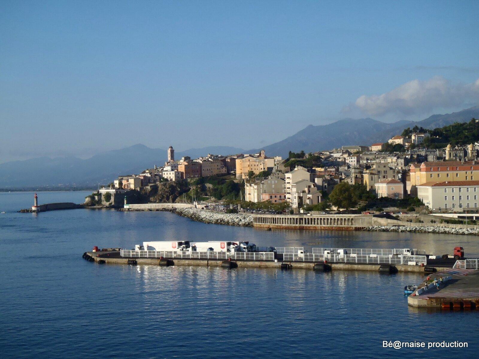 Un coin de port (Bastia, août 2011)