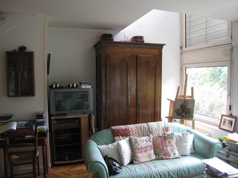 c'est là que tout s'est passé...il fallait donc trouver un nouvel endroit pour la télé et pour la belle armoire