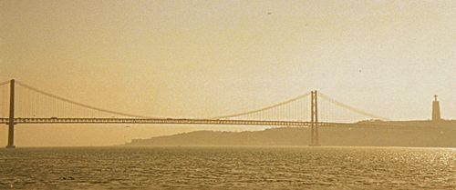 Lisbonne-Pont du 25 04 1974