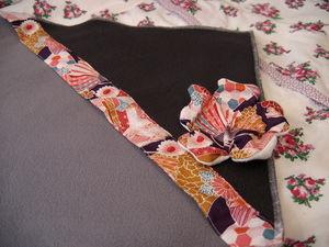 couverture polaire bicolore fleur japonaise