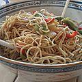 Nouilles chinoises aux légumes sautés