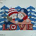 Un amour d'hiver en <b>point</b> de <b>croix</b> et perles de rocailles.