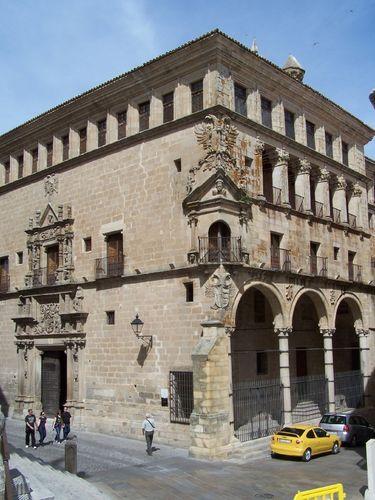 Trujillo-Palacio de los Duques de San Carlos