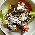 Salade tomate, noix de coco et sésame