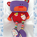 Doudou Peluche Ours Eveil Charly <b>Violet</b> Rouge Jambes Rayures Fnac