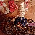 Ange de Noël sur une écorce de <b>bois</b>