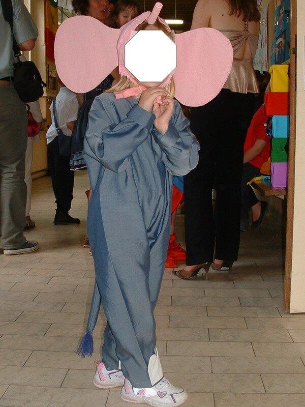 Et voici un petit éléphant pour le cirque de l'école