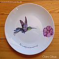 <b>Colibris</b> peints sur assiettes et bol en porcelaine