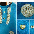 détails robe bleue