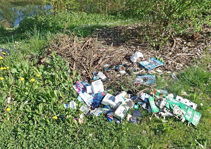 déchets bord rivière 180418