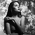 <b>Angelina</b> <b>Jolie</b> a 16 ans un shooting ou elle jouait à la Marilyn Monroe!