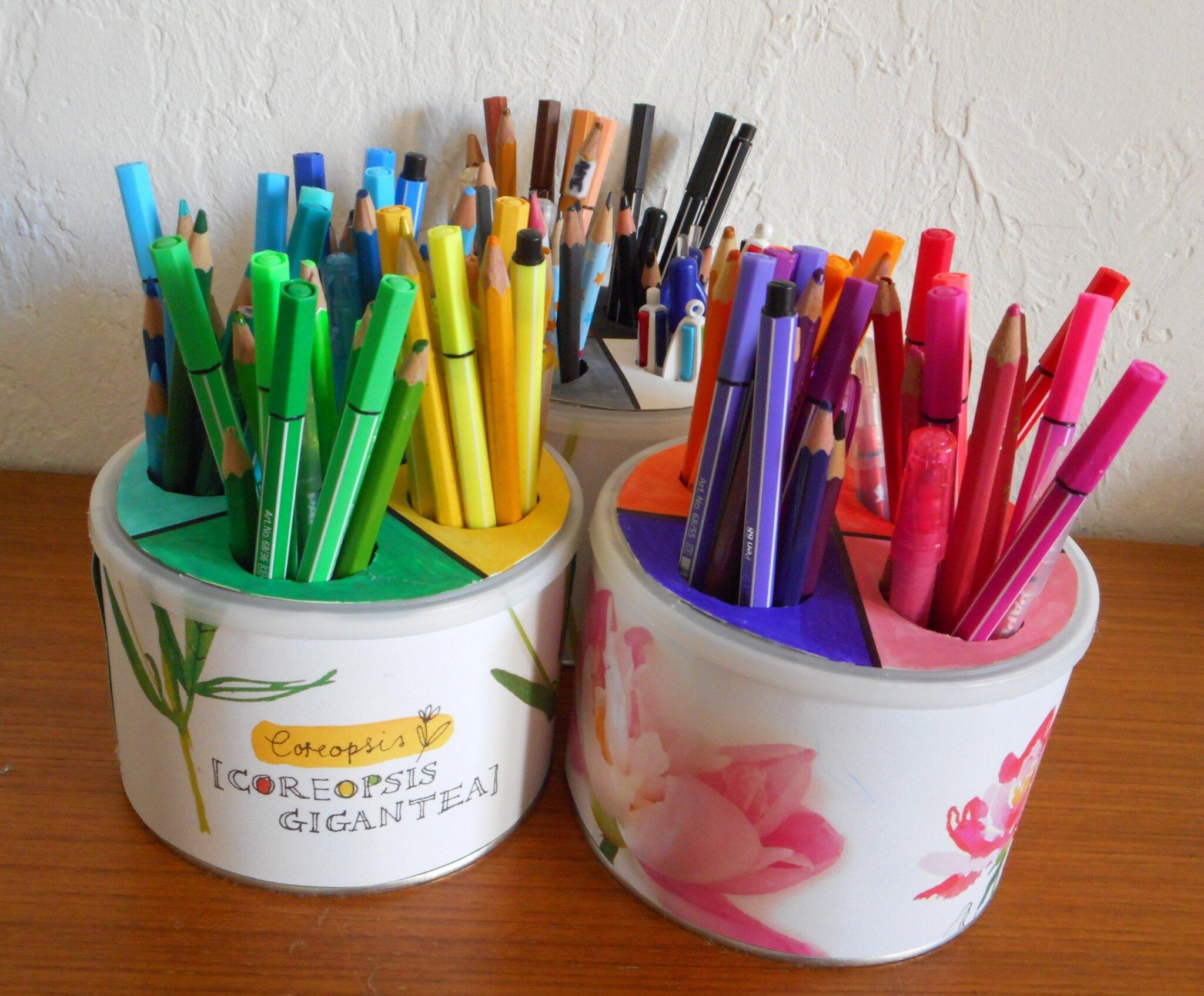 pots à crayons par couleurs (2)