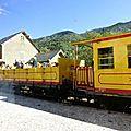Train jaune de villefranche de conflent à font romeu