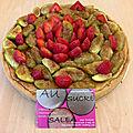 Tarte frangipane aux figues roties caramelisees et fraises