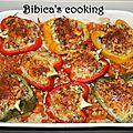 Poivrons farcis sur lit de riz aux tomates