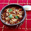 Soupe harira - soupe marocaine à la tomate, dés d'agneau et légumes secs