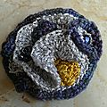 Broche au crochet / brooch crochet