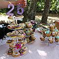 pièce montée de donut's et de <b>cupcakes</b>