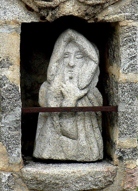 statuette à Saint Germain L'Herm