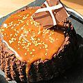 Le gâteau de la chance millésime 2014: <b>fondant</b> au <b>chocolat</b> noir et <b>caramel</b> au <b>beurre</b> <b>salé</b>...