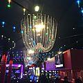 Les <b>lustres</b> montgolfière du casino de Biarritz