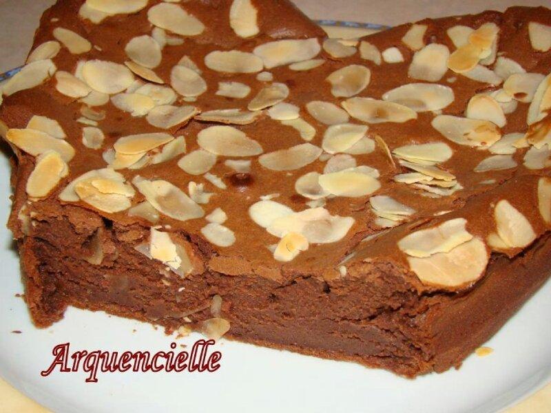 Gâteau coeur chocolat amandes détail