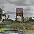 Rond-point à Tangerang (Ile de Java)