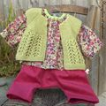 ensemble pour bébé, sarouel et tunique raglan en velours et liberty, gilet tricoté en alpaga