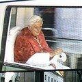 Le pape sur ecran géant lors de sa visite a munich