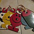 Routine pour enfants genre cordons du fakir avec differents petits personnages en bois peint