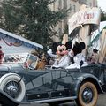 dld_parade2