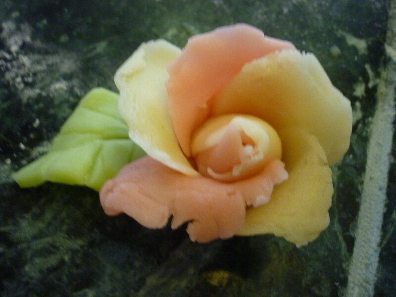 Rose en pâte d'amande