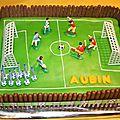 Gâteau terrain de foot aubin 9 ans