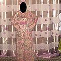 une robe style abaya