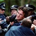 Mystic river (<b>Clint</b> <b>Eastwood</b>, 2003)