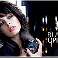 Le nouveau Parfum addictif d'Yves Saint Laurent : <b>Black</b> <b>Opium</b> .