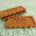Biscuits son d'avoine noisette fourrés chocolat praliné (diététiques, sans beurre ni sucres ajoutés et très riches en fibres)