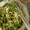 Salade de chou kale, celeri branche, thon, oeuf dur, persil, câpres & ... parmesan !