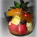 Verrines de fruits au sirop et à la <b>confiture</b>/tartinade au <b>gingembre</b>