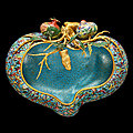 A magnificent and extremely rare large cloisonné enamel 'peach' basin, <b>Qing</b> dynasty, Qianlong period (1736-1795)