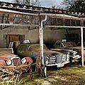 Une fabuleuse collection de voitures retrouvée dans une grange dans les Deux-Sèvres