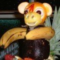 Petit singe aux fruits
