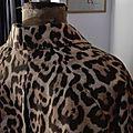 Veste VICTORINE en toile de coton imprimé léopard - Doublure de satin noire (3)