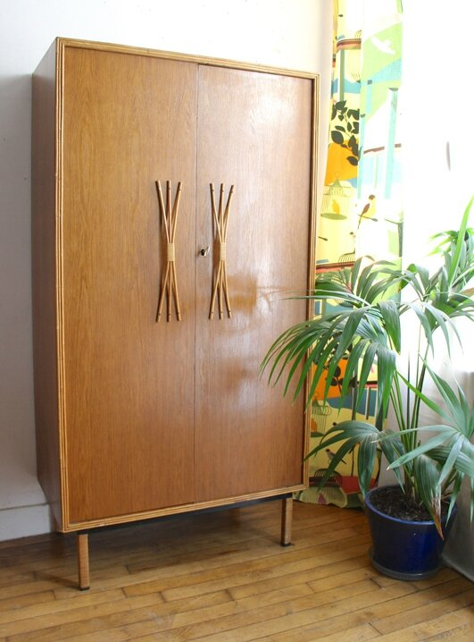 armoire-en-rotin-vintage
