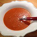 Super soupe à la <b>tomate</b> du chef Yotam Ottolenghi
